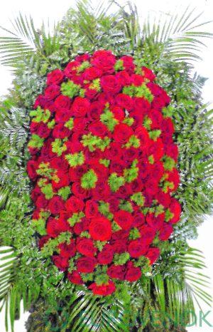 Венок из живых цветов №01-1 высота 100 см.