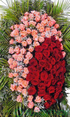 Венок из живых цветов №05-100 см .