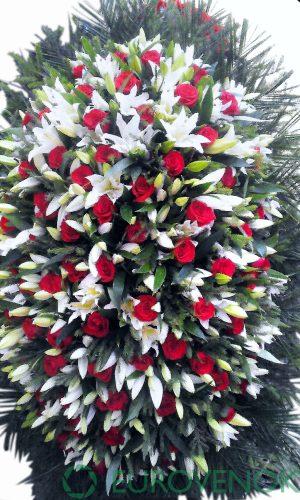 Венок из живых цветов №07-100 см .