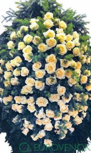 Венок из живых цветов №10-100 см .