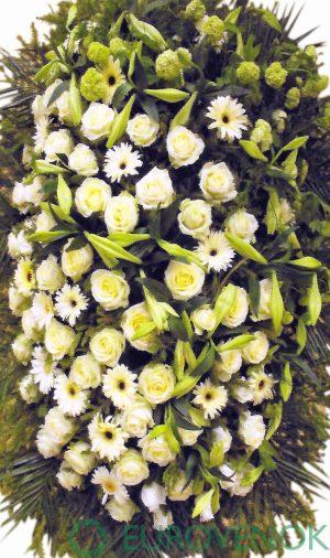 Венок из живых цветов №14 . 100 см .