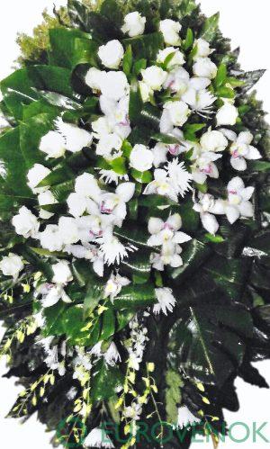 Венок из живых цветов №18 .100 см .