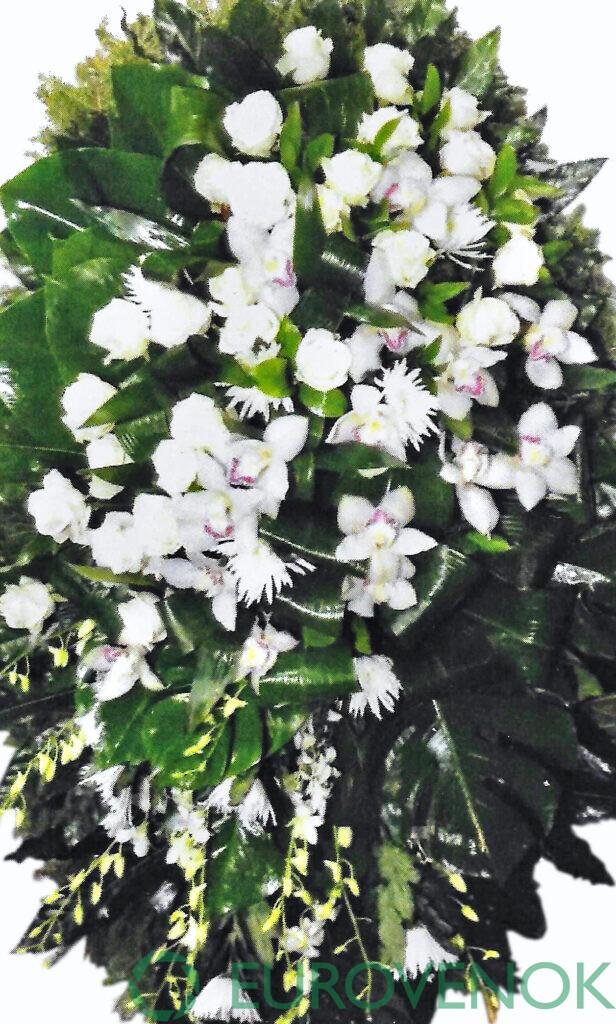 Венок из цветов №18
