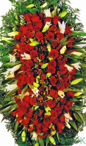 Венок из живых цветов №20 . 100 см.