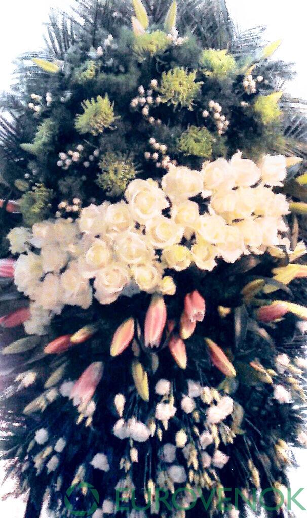 Венок из цветов №49